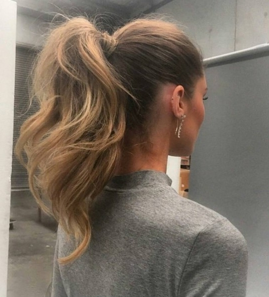 25 Hot High Ponytail Hairstyles 2018 | Hairstyle Guru Pertaining To Easy High Pony Hairstyles For Curly Hair (View 11 of 25)