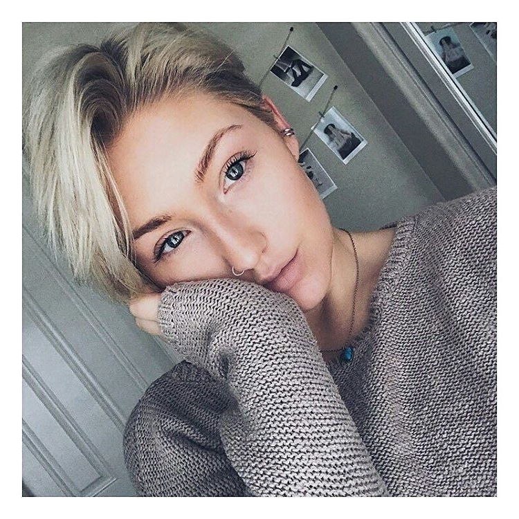 27 Hot Pixie Cuts To Copy In 2018 | Hairstyle Guru In Recent Gray Blonde Pixie Hairstyles (View 20 of 25)