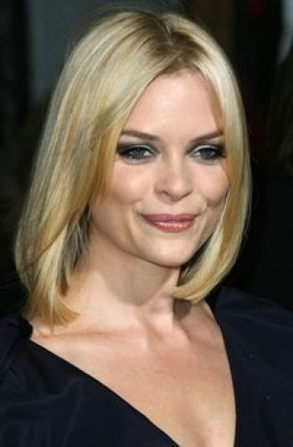 29 Marvelous Middle Part Long Bob Haircuts (For Every Women) Page 1 Of 2 Pertaining To Blonde Lob Hairstyles With Middle Parting (View 13 of 25)