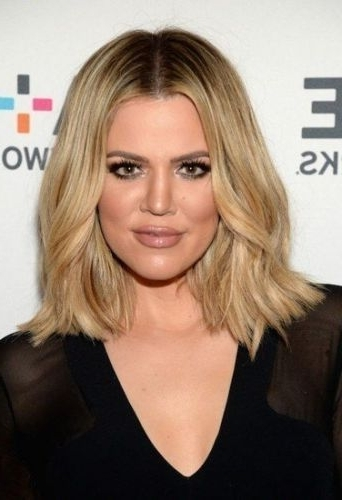 29 Marvelous Middle Part Long Bob Haircuts (For Every Women) Page 1 Of 2 Within Blonde Lob Hairstyles With Middle Parting (View 10 of 25)