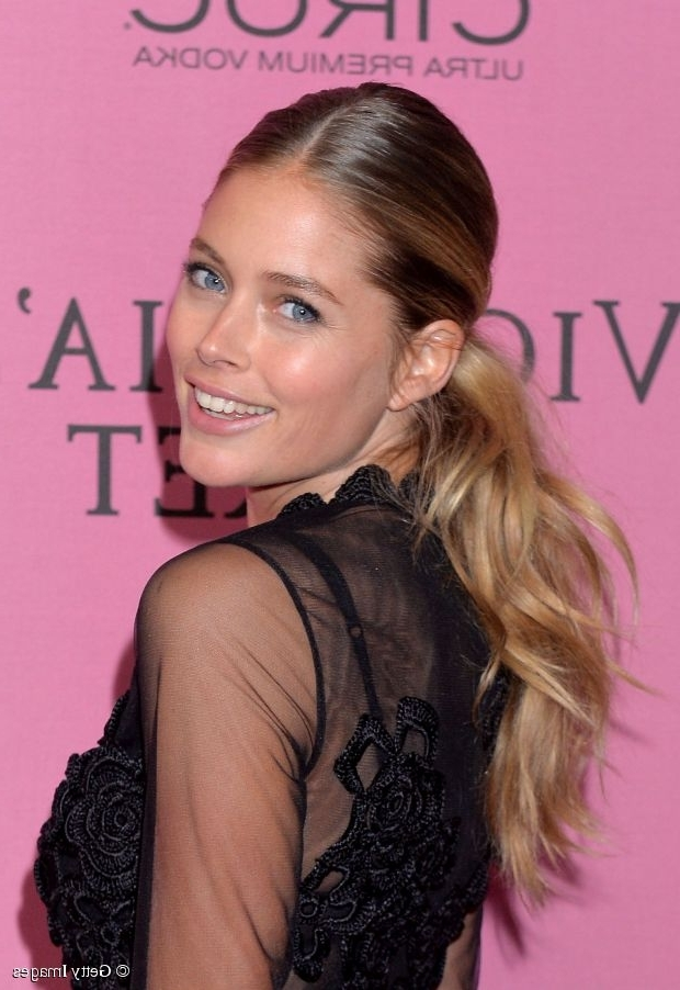 3 Gorgeous Doutzen Kroes Hairstyles – Pretty Designs In Low Ponytail Hairstyles With Waves (View 11 of 25)