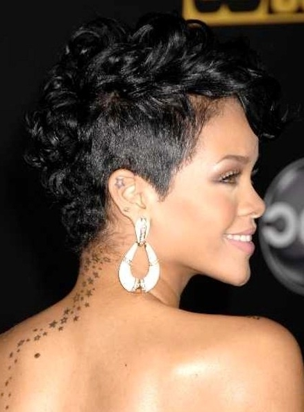 3 Rihanna Curly Hairstyles – Popular Haircuts With 2018 Short Black Pixie Hairstyles For Curly Hair (View 15 of 25)