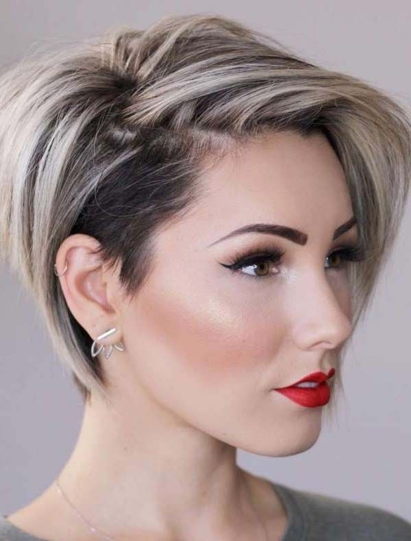 30 Best Short Hairstyles & Haircuts For Women (View 6 of 25)