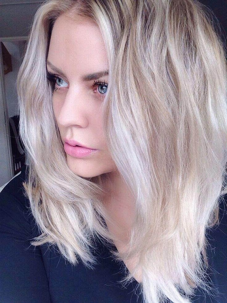 30 Blonde Medium Hairstyles Ideas For Women Intended For Ice Blonde Lob Hairstyles (View 6 of 25)