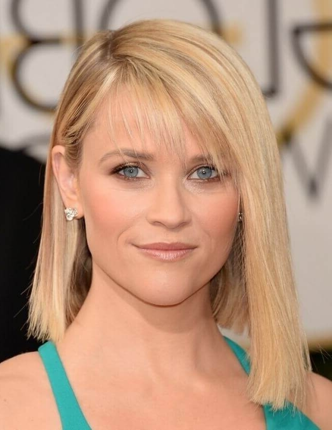 30 Blonde Medium Hairstyles Ideas For Women Within Side Swept Warm Blonde Hairstyles (View 6 of 25)