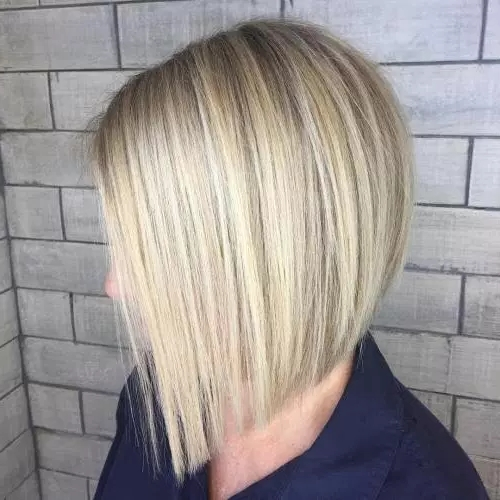 30 Classy And Stunning Graduated Bob Haircuts – Fallbrook247 Intended For Stacked White Blonde Bob Hairstyles (View 20 of 25)