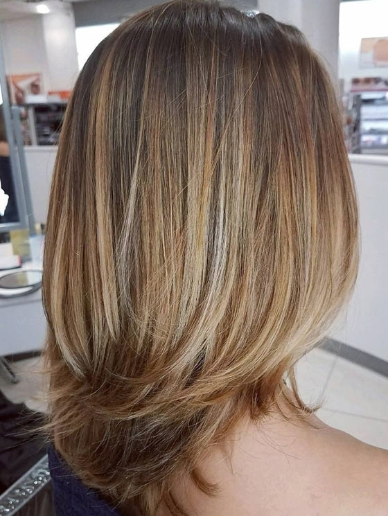 30 Honey Blonde Hair Color Ideas You Can't Help Falling In Love With Inside Cream Colored Bob Blonde Hairstyles (View 11 of 25)