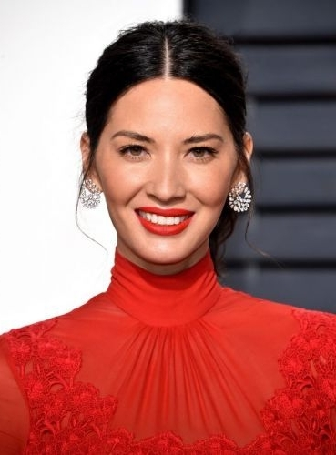30 Olivia Munn Hairstyles (Funny & Beautiful Hairstyles & Hair In Center Parted Pony Hairstyles (View 1 of 25)