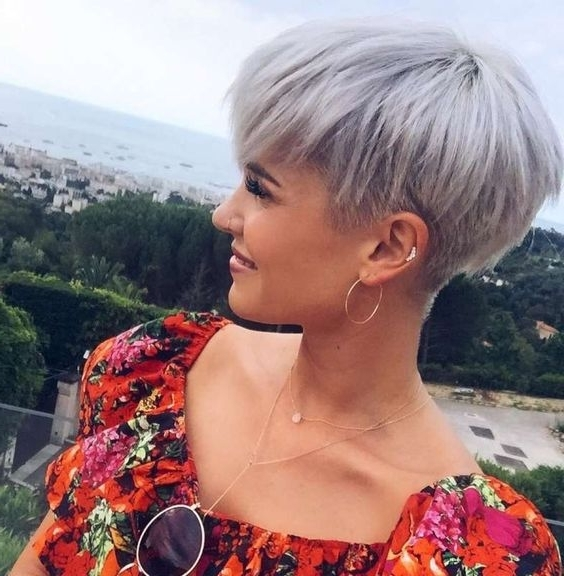 30 Perfect Pixie Haircuts For Chic Short Haired Women Within Latest Choppy Bowl Cut Pixie Hairstyles (View 5 of 25)