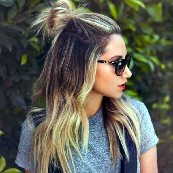 30 Trendy And Beautiful Long Blonde Hairstyles In Ash Blonde Half Up Hairstyles (View 6 of 25)