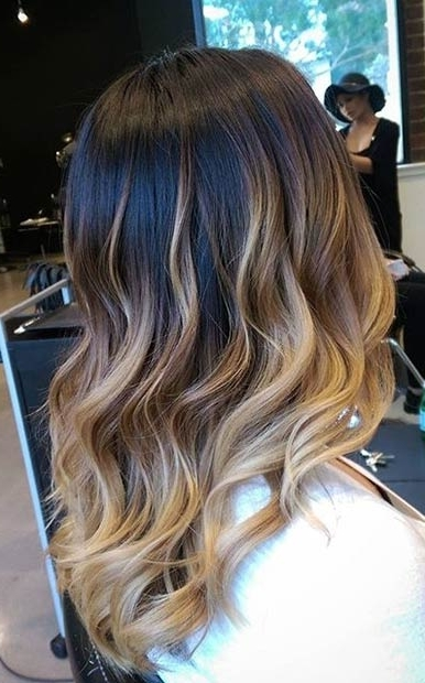 31 Balayage Highlight Ideas To Copy Now | Page 2 Of 3 | Stayglam Inside Dark Roots Blonde Hairstyles With Honey Highlights (View 12 of 25)