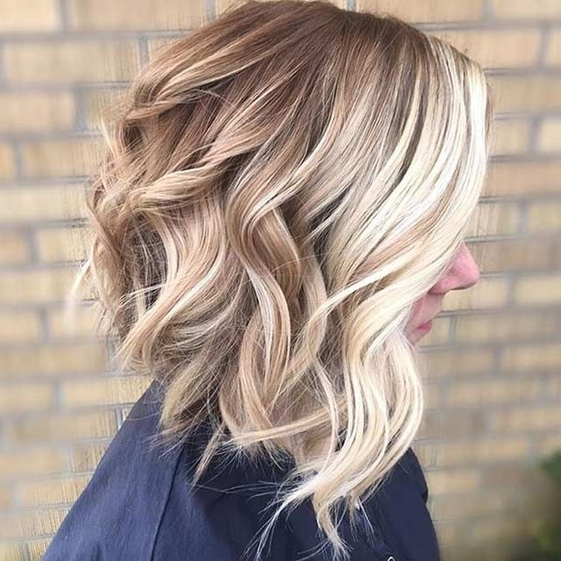 31 Cool Balayage Ideas For Short Hair | Stayglam Hairstyles In Bronde Bob With Highlighted Bangs (View 9 of 25)