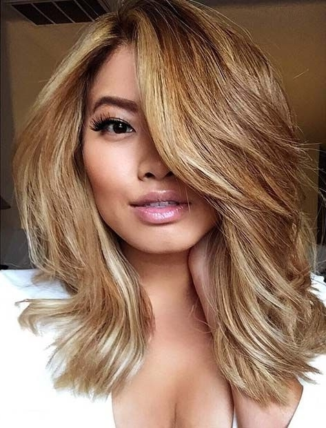 31 Lob Haircut Ideas For Trendy Women In 2018 | Stayglam Hairstyles Throughout Volumized Caramel Blonde Lob Hairstyles (View 12 of 25)