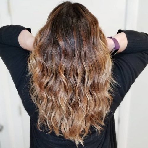 31 Most Delectable Caramel Highlights You'll See In 2018 Throughout Caramel Blonde Hairstyles (View 22 of 25)