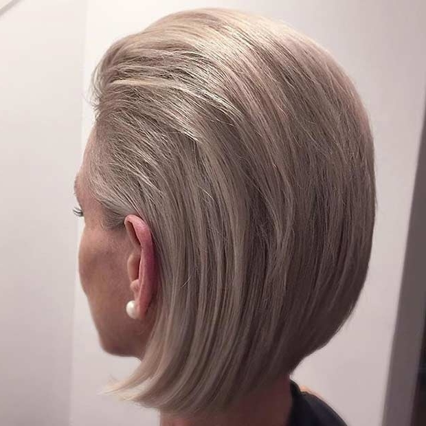 31 Short Bob Hairstyles To Inspire Your Next Look | Stayglam In Sleek Ash Blonde Hairstyles (View 18 of 25)