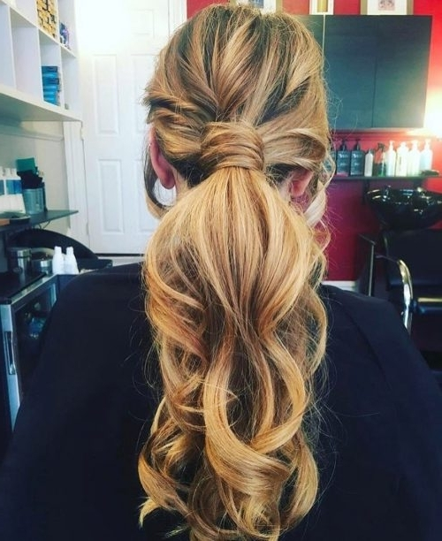 32 Casual Hairstyles That Are Quick, Chic And Easy For 2018 Intended For Sleek And Chic Ringlet Ponytail Hairstyles (View 13 of 25)
