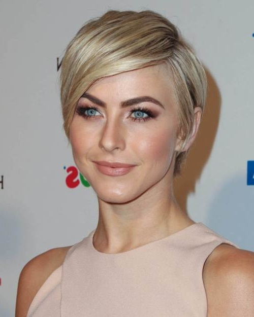 32 Most Exquisite Short Blonde Hairstyles For Women – Haircuts Within Newest Side Parted Blonde Balayage Pixie Hairstyles (View 4 of 25)
