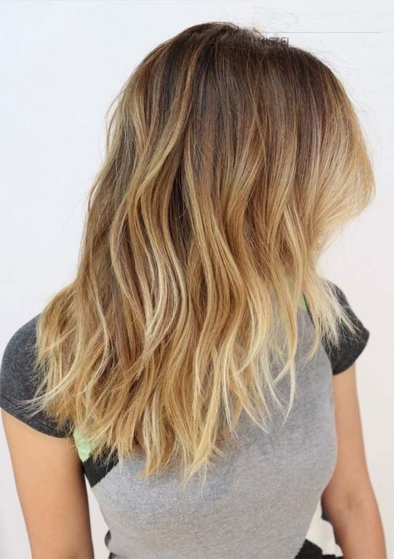 33 Gorgeous Blonde Ombre Medium Length Hairstyles 2018 | Modeshack With Regard To Shoulder Length Ombre Blonde Hairstyles (View 8 of 25)