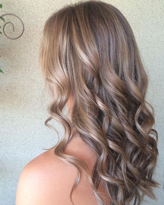 35 Sophisticated & Summery Sandy Blonde Hair Looks For Sandy Blonde Hairstyles (View 11 of 25)