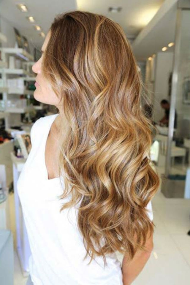 36 Blonde Balayage Hair Color Ideas With Caramel, Honey, Copper Intended For Medium Honey Hued Blonde Hairstyles (View 16 of 25)