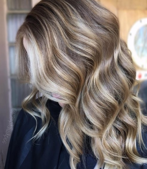 38 Top Blonde Highlights Of 2018 – Platinum, Ash, Dirty, Honey & Dark Pertaining To Dark Blonde Hairstyles With Icy Streaks (View 17 of 25)