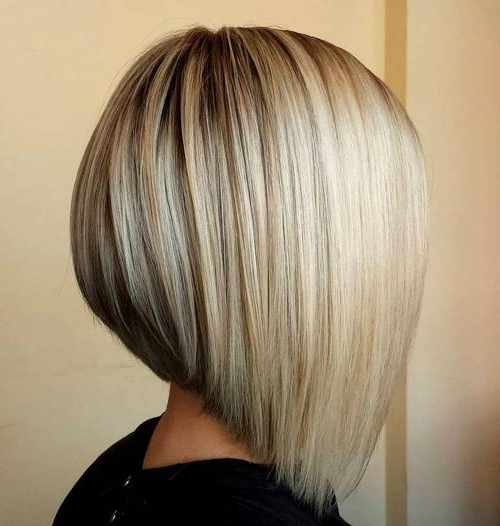 40 Banging Blonde Bob And Blonde Lob Hairstyles Regarding Asymmetry Blonde Bob Hairstyles Enhanced By Color (View 13 of 25)