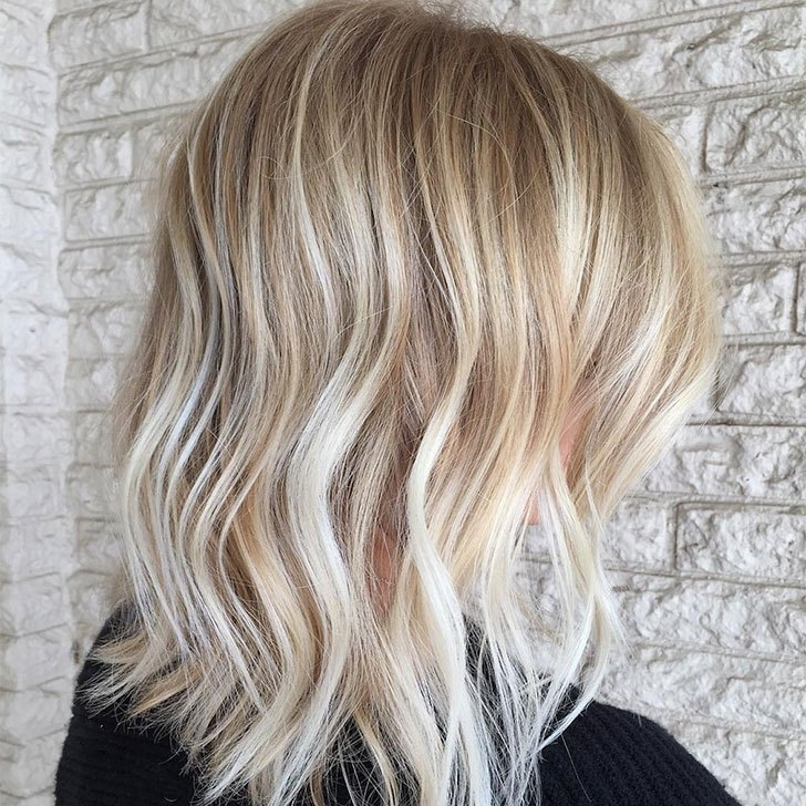40 Best Medium Hairstyles And Haircuts Of 2018 Intended For Textured Medium Length Look Blonde Hairstyles (View 14 of 25)
