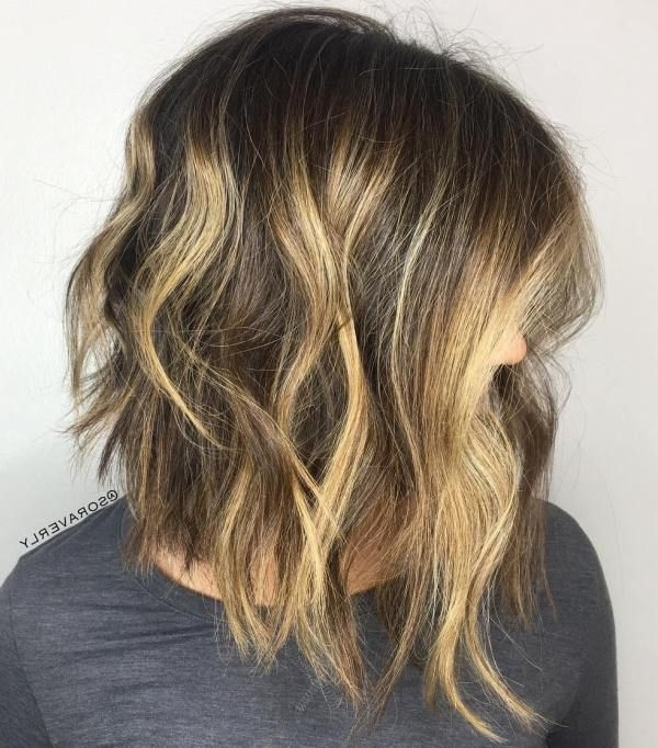 40 Chic Angled Bob Haircuts | Angled Bob Haircuts, Bobs And Angled Bobs Inside Chamomile Blonde Lob Hairstyles (View 5 of 25)