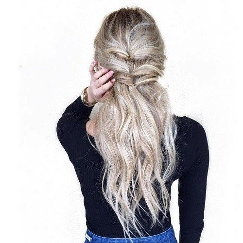 40 Easy And Chic Half Ponytails For Straight, Wavy And Curly Hair With Regard To Beachy Half Ponytail Hairstyles (View 7 of 25)