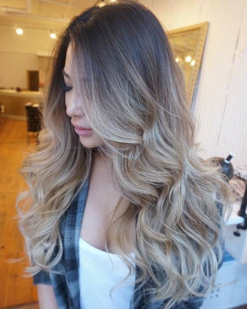 40 Gorgeous Ways To Rock Blonde And Sliver Hair – Hair Color Ideas 2019 Throughout Glamorous Silver Blonde Waves Hairstyles (View 16 of 25)