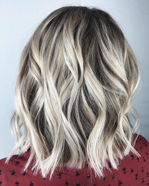 40 Most Flattering Medium Length Hairstyles For Thin Hair – Style Pertaining To Medium Blonde Balayage Hairstyles (View 16 of 25)