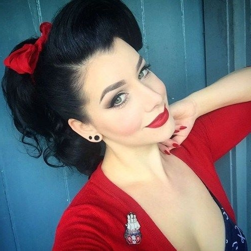 40 Pin Up Hairstyles For The Vintage Loving Girl In 2018 | Vintage Within Vintage Curls Ponytail Hairstyles (View 11 of 25)