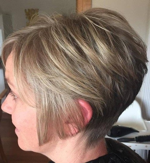 40 Short Bob Hairstyles: Layered, Stacked, Wavy And Angled Bob Cuts With Regard To Most Up To Date Angled Pixie Bob Hairstyles With Layers (View 5 of 25)
