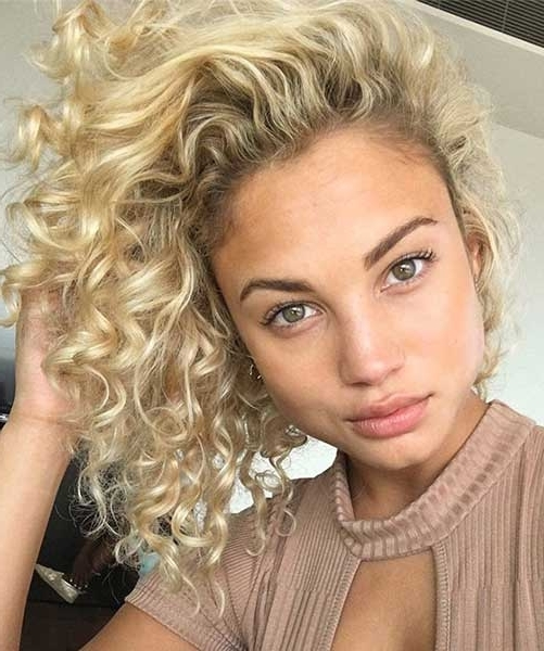 40 Styles To Choose From When Perming Your Hair With Medium Blonde Bob With Spiral Curls (View 16 of 25)
