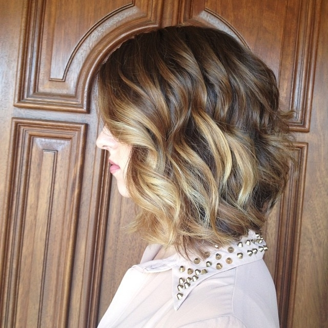 40 Super Cute Short Bob Hairstyles For Women 2018 | Styles Weekly Within Curly Caramel Blonde Bob Hairstyles (View 12 of 25)
