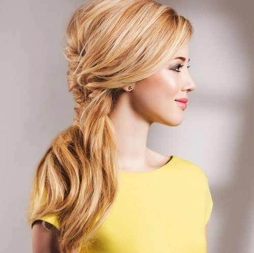40 Super Simple Messy Ponytail Hairstyles – Page 28 – Foliver Blog Pertaining To Fancy And Full Side Ponytail Hairstyles (View 23 of 25)