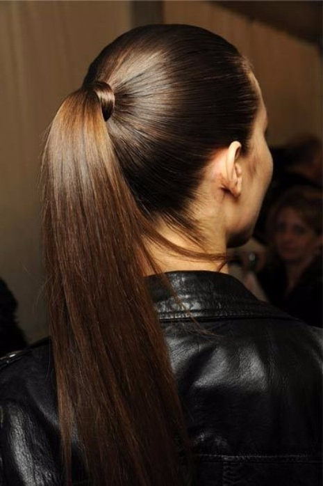 40 Top Hairstyles For Brunettes – Hairstyles & Haircuts For Men & Women Within Ponytail Hairstyles For Brunettes (View 6 of 25)