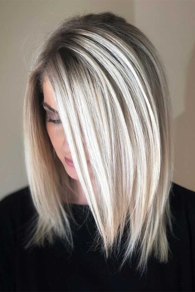 40 Untraditional Lob Haircut Ideas To Give A Try   100% Blonde Pertaining To Dark And Light Contrasting Blonde Lob Hairstyles (View 22 of 25)