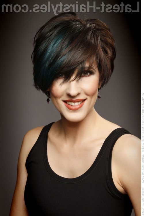 42 Sexiest Short Hairstyles For Women Over 40 In 2018 For 2018 Funky Blue Pixie Hairstyles With Layered Bangs (View 12 of 25)