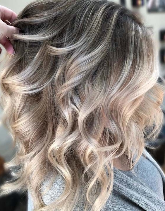 Featured Photo of Contrasting Highlights Blonde Hairstyles