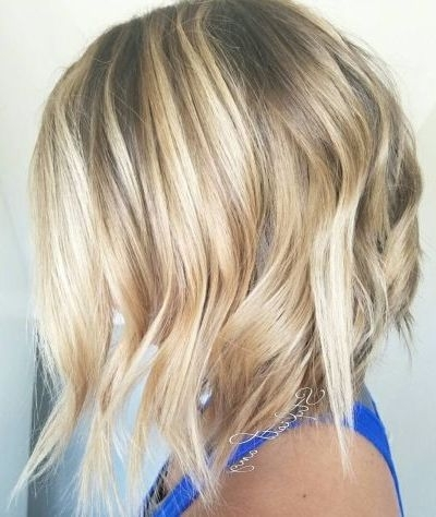45 Beach Blonde Hairstyles You Can Try All Year Round Regarding Honey Hued Beach Waves Blonde Hairstyles (View 21 of 25)