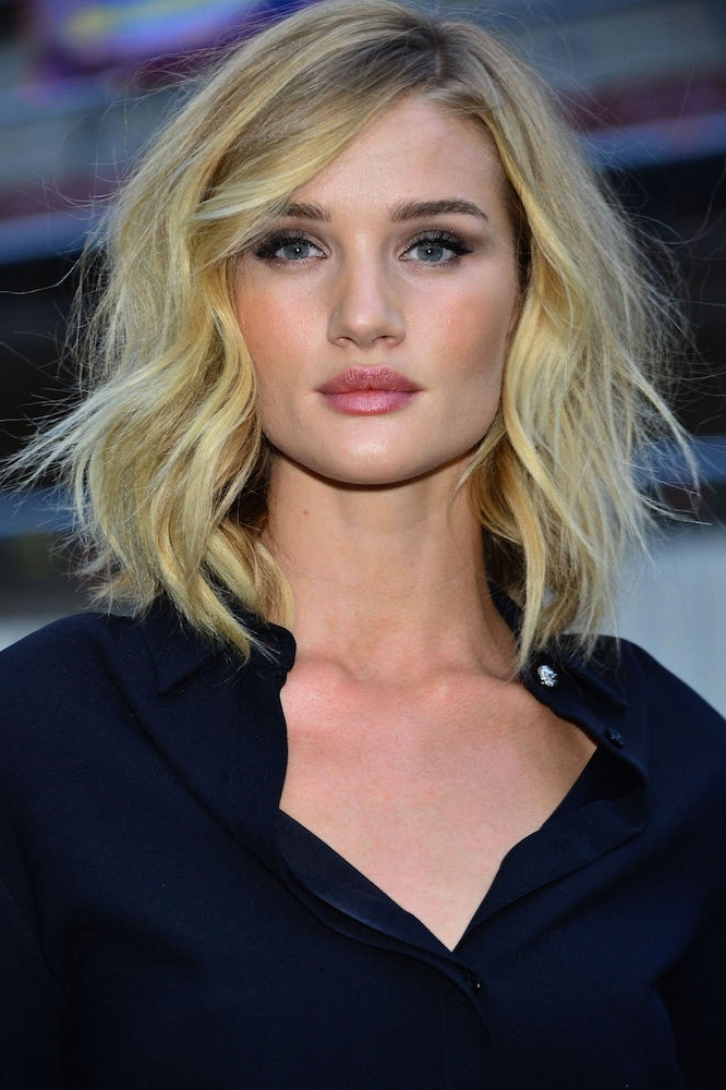 45 Gorgeous Celebrity Lob And Long Bob Haircuts To Inspire Your Look With Blonde Lob Hairstyles With Middle Parting (View 23 of 25)
