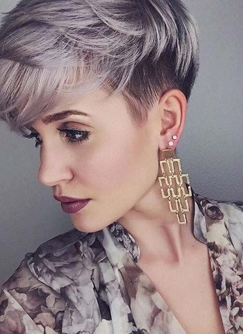 47 Amazing Pixie Bob You Can Try Out This Summer! Within 2018 Undercut Blonde Pixie Hairstyles With Dark Roots (View 13 of 25)