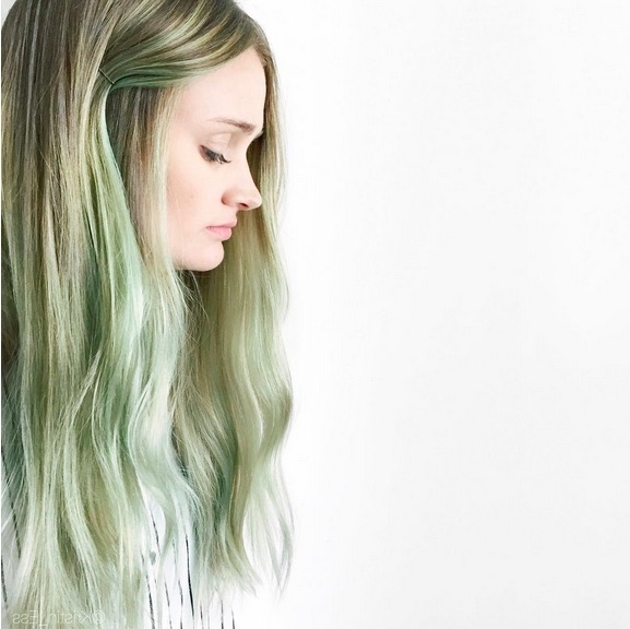 48 Ombre Hair Color Ideas We're Obsessed With – Thefashionspot In Blonde Hairstyles With Green Highlights (View 13 of 25)