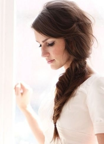5 Cute And Easy Fishtail Braid Hairstyles – Popular Haircuts Throughout Wavy Side Fishtail Hairstyles (View 12 of 25)