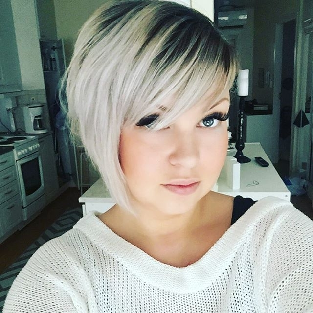 50 Adorable Asymmetrical Bob Hairstyles 2018 – Hottest Bob Haircuts In Short Silver Blonde Bob Hairstyles (View 13 of 25)