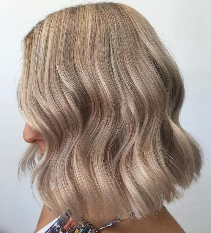 50 Blonde Hair Color Ideas For The Current Season In 2018 | Hair In Messy Blonde Lob With Lowlights (View 13 of 25)