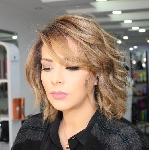 50 Fresh Hairstyle Ideas With Side Bangs To Shake Up Your Style With Regard To Most Recently Cropped Tousled Waves And Side Bangs Hairstyles (View 5 of 25)