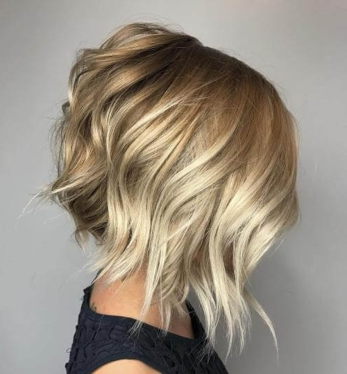 50 Fresh Short Blonde Hair Ideas To Update Your Style In 2018 For Messy Blonde Lob With Lowlights (View 14 of 25)
