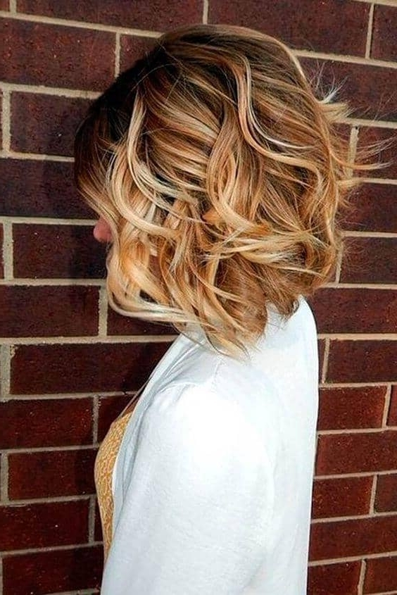 50 Fresh Short Blonde Hair Ideas To Update Your Style In 2018 Throughout Wavy Caramel Blonde Lob Hairstyles (View 13 of 25)